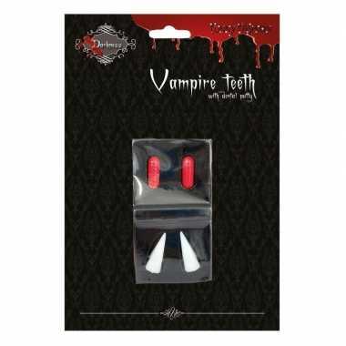 Halloween - vampiertanden halloween met bloedcapsules