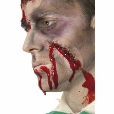 Halloween - wond met hechting en flesje bloed