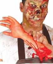 Afgehakte arm met bloed 32 cm